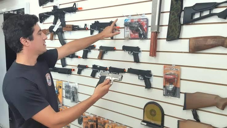 Vendas De Armas De Fogo Sobem 200%, Mas Homicídios Com Armas Caem Ao Menor Patamar Em 21 Anos